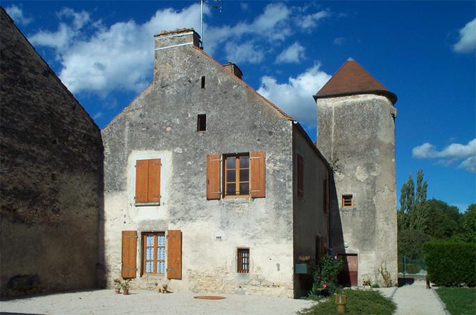 Immeuble - 1 place de l'eglise Veuvey-sur-Ouche