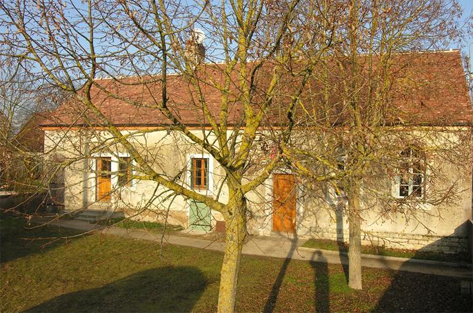 Maison -  batiment de la mairie Marandeuil